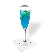 Preparación de Blue Champagne: Mezclar y servir