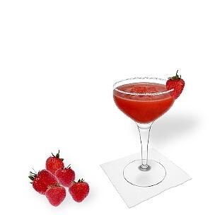 Otra opción buenísima para Frozen Strawberry Margarita es la copa de champán abierta.