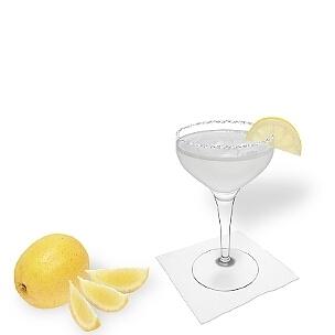 Otra opción buenísima para Margarita es la copa de champán abierta.