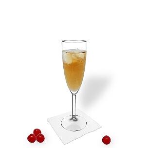 Ohio servido en una copa de champán, es la manera más común de presentar esta bebida con champán.
