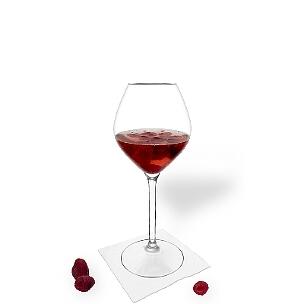 Ponche de Frambuesa es una bebida afrutada y agradable al paladar para fiestas.
