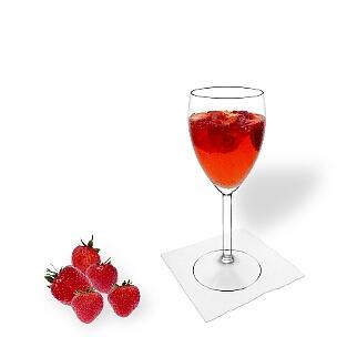 Todos tipos de copas de vino son ideal para Ponche de Fresa.