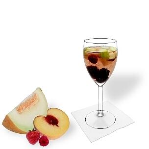 Todos tipos de copas de vino son ideal para Ponche de Frutas.