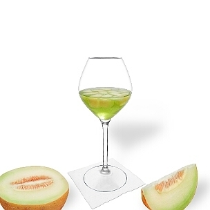 Ponche de Melón es una bebida afrutada y agradable al paladar para fiestas.