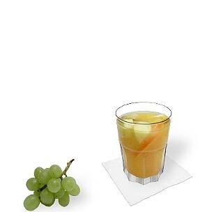 A lo mejor presentas Sangria Blanca en vasos Tumbler, pequeñas vasos largos o copas de vino.