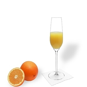 Mimosa served in a champagne glass, the most common way of presenting that delicious cocktail.