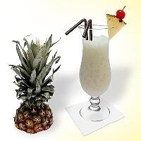 Batida de Coco im Hurricane Glass