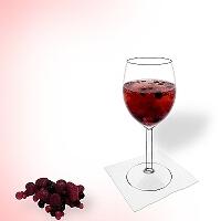 Beerenbowle im Rotwein Glas.
